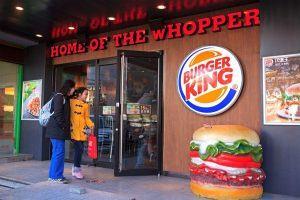 Promoção do Burger King trocará foto de ex por hambúrguer de graça
