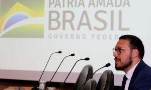 Diretor do Ministério da Saúde deixa o cargo após divergências
