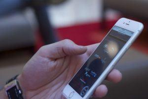 Para controlar aglomerações, governo federal irá monitorar o seu celular