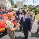 Estado entrega 10 novas caminhonetes para os Bombeiros atuarem em busca e salvamento