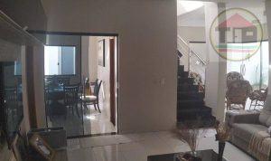 Casa com 4 dormitórios, 380 m²
