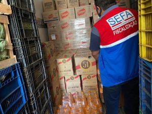 Sefa apreende bebidas escondidas em caminhão de hortifrúti, em Marabá