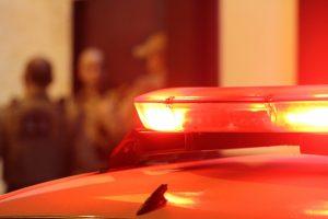 Policial penal atira contra perna de jovem após suposta ameaça